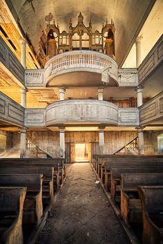 by ill-padrino www.matthiashaker.com, via Flickr- Abandoned Church