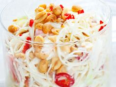 Aasialainen coleslaw - Reseptit Coleslaw, Pasta Salad, Macaroni And Cheese, Chili, Food And Drink, Ethnic Recipes, Crab Pasta Salad, Mac And Cheese, Chile