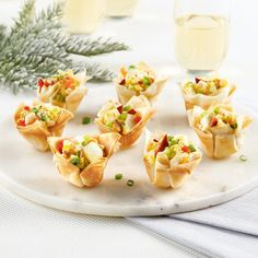 Mini-coupelles style guédilles aux oeufs et homard Mini Pains, Hors D'oeuvres, Canapes, Entrees, Food And Drink, Ethnic Recipes, Diy, Style, Vegetable Dips