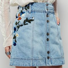 A tendência do Jeans Bordado pega?