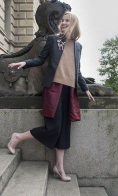 ...třeba hned dvě brože najednou! Normcore, Coat, Jackets, Style, Fashion, Down Jackets, Swag, Moda, Sewing Coat