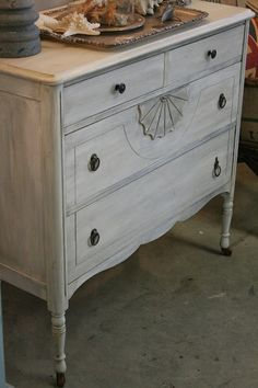 Reloved Rubbish: Whitewashed Vintage Dresser ASCP Pure White w French Linen wash