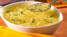 broth with thermomix vermicelli, very delicious soup for your dinner. Make this delicious recipe easily with your thermomix. Easy Soup Recipes, Crockpot Recipes, Lunch Recipes, Food C, Quick And Easy Soup, Italy Food, Slow Cooker Soup, Quick Meals, Food Processor Recipes