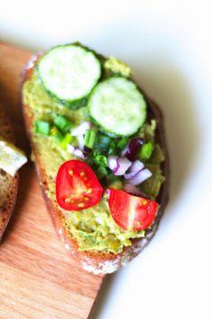 Przepisy na zdrowe pasty kanapkowe - powiedz dietom nie Superfoods, Avocado Toast, Sandwiches, Good Food, Food And Drink, Pasta, Salad, Vegan, Breakfast