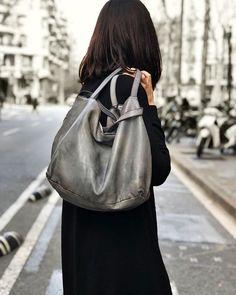 Ya sabéis que en Brussosa nos encanta el negro pero no podemos evitar tener el corazón dividido cuando se trata de grises como los de Numero 10.    #brussosa #brussosaselection #leather #bag #grey #spring #bags #handbag #leathergoods #grey  #leathercraft #handmadebag #leatherbag #shoplocal #leatherwork #woman #handmade #accessories #backpack #leathergoods  #fashionbag #style  #look #shoulderbag #barcelona #handmadeinitaly  #raw #italy #バルセロナ  #レザーバッグ Leather Craft, Leather Bag, Spring Bags, Handmade Accessories, Handmade Bags, Leather Working, Fashion Bags, Backpacks, Shoulder Bag