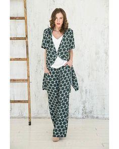 Костюм в пижамном стиле цвета хаки из итальянской вискозы - для уверенной в себе красотки! Абсолютный тренд этого сезона! #sarafanfashion #sarafan #fashion #мыкрасивыизнутри #lookbook http://sarafan-fashion.ru/