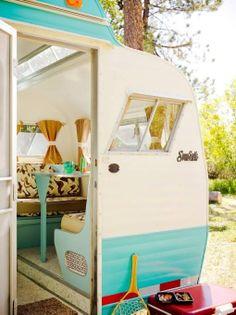 Scotty Vintage Camper glamping trailer - my dream. Camping Vintage, Vintage Rv, Vintage Caravans, Vintage Travel Trailers, Retro Trailers, Tiny Trailers, Camper Trailers, Vintage Wood, Vintage Style