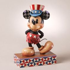 My patriotic Mickey Mouse figurine by Jim Shore I got this year thanks to my Disney Reward points.