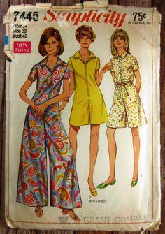 Vintage 1960s Womens Pantdress in Regular Length Size 38