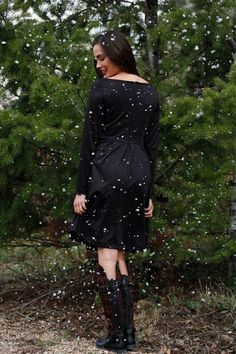 Black Fit&Flare Vixen Dress Shabby Apple, Vixen, Winter Style, Flare, Winter Fashion, Cold Shoulder Dress, Fitness, Fashion Design, Dresses