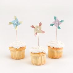 Pinwheel Cupcake Picks @Lindsey Brunk from anns bridal bargains