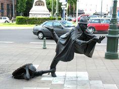 Estas São As 25 Esculturas E Estátuas Mais Criativas Do Mundo. De Vaartkapoen, Brussels, Bélgica