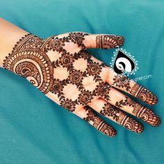 A netting variation Tribal Henna Designs, Latest Henna Designs, Arabic Henna Designs, Stylish Mehndi Designs, Best Mehndi Designs, Mehndi Designs For Hands, Henna Tattoo Designs, Bridal Mehndi Designs, Mehandi Designs
