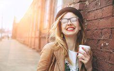 Dalla proprietà antiossidanti, aglieffetti benefici sul fegato e il buonumore, fino alla riduzione dei sintomi del morbo di Parkinson: ecco perchè il caffé fa bene(nelle giuste dosi) C'è chi lo preferisce espresso, chi all'americana e chi in una delle numerosissime varianti ormai in circolazione in ogni angolo del mondo, ma sicuramente non c'è adulto che …