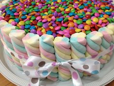 Risultati immagini per bolo de marshmallow Torta Candy, Candy Cakes, Cupcake Cakes, Rainbow Birthday, Unicorn Birthday Parties, Unicorn Party, Beautiful Cakes, Amazing Cakes, Candy Party