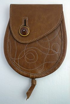Button sporran with wiggly stitching by Sporran Nation, via Flickr