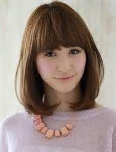 Model Rambut Pendek Sebahu wajah bulat