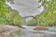 Puente Konitsa, Grecia.
