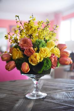 Easy Spring Centerpiece Ideas | Entertaining Ideas & Party Themes for Every Occasion | HGTV