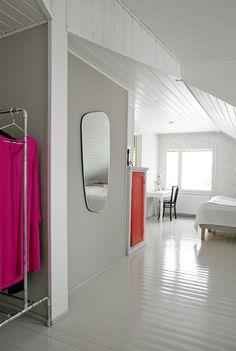 Makuuhuone, peli. Bedroom, mirror. Oversized Mirror, Bedroom, Furniture, Home Decor, Decoration Home, Room Decor, Bed Room, Bedrooms, Home Furnishings
