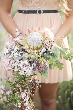 Wedding Flowers Inspiration : The King Protea Neutral Wedding Flowers, Vintage Wedding Flowers, Cheap Wedding Flowers, Winter Wedding Flowers, Wedding Flower Arrangements, Wedding Bouquets, Protea Wedding, Wedding Peach, White Bouquets