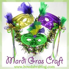 Make a Mardi Gras Mask Decoration Masquerade Decorations, Mardi Gras Decorations, Mardi Gras Beads, Mardi Gras Party, School Age Activities, Bday Girl, Carnival Masks, Do It Yourself Crafts, Craft Party