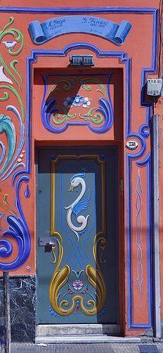 Colorfully painted doorway in Argentina Door Entryway, Entrance Doors, Doorway, Cool Doors, Unique Doors, When One Door Closes, Knobs And Knockers, Door Gate, Painted Doors