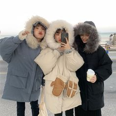 Best Vintage Outfits Part 24 Look Fashion, Korean Fashion, Winter Fashion, Fashion Outfits, Korean Best Friends, Ulzzang Korean Girl, Cute Comfy Outfits, Best Friend Photos, Bff Pictures