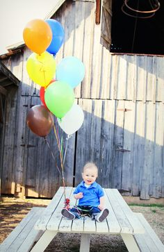 Perfect one year photo idea. @Natalie Seubert  This one will be a cute one for his first birthday.