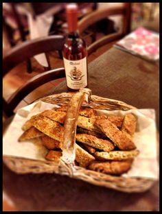 Tozzetti e vin santo  http://www.ristorantetrere.com/  #food #Viterbo #roma #italia #tuscia #trere #risto #lunch #dinner