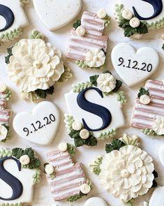 Wedding Shower Cookies, Wedding Cake Cookies, Mini Wedding Cakes, Wedding Cake Decorations, Decorated Wedding Cookies, Bridal Shower, No Bake Sugar Cookies, Sugar Cookie Royal Icing, Dessert Bar Wedding
