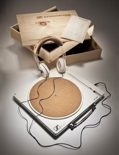 Sennheiser Eco-Vinyl turntable design proposal by Matthew Lim Vinyl Record Player, Vinyl Records, Record Players, Radios, Wireless Headphones For Running, Phonograph, Gadgets And Gizmos, House Music, Retro Vintage