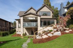 Fine Rock-dash stucco finsh on this West Vancouver home