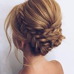 Beautiful braided Updos Wedding hairstyle to inspire you - This stunning wedding hairstyle for long hair is perfect for wedding day,bridal Hairstyle ideas