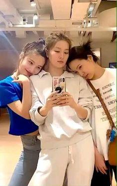 •๖ۣۜHωαηɠ-ωση• Wendy Red Velvet, Red Velvet Joy, Red Velvet Seulgi, Ulzzang Couple, Ulzzang Girl, Kpop Girl Groups, Kpop Girls, Velvet Video, Nct Life