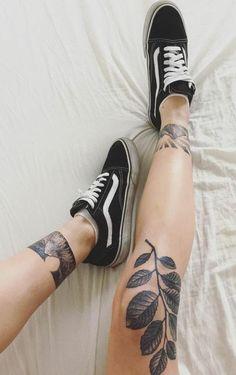Les différents style de tatouage tattoo old school bras - Women Style Nature Tattoos, Body Art Tattoos, New Tattoos, Sleeve Tattoos, Tattoos For Guys, Cool Tattoos, Tatoos, Small Tattoos, Badass Tattoos
