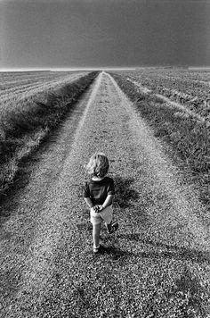 Caminante, son tus huellas el camino, y nada más(Antonio Machado)