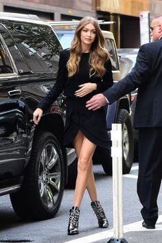 <3 @benitathediva Gigi Hadid street style, all black dress for an all black outfit.
