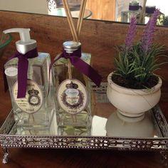 Linha Lavanda: aromatizador de ambientes e sabonete líquido.  Que tal esse cheirinho delicioso no seu quarto, que te ajuda a relaxar ainda mais e ter uma boa noite de sono?