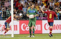 Španija opet Prvak Evrope!!! Basketball Court, Soccer, Euro 2012, Goalkeeper, Rugby, Italy, Football, Kiev Ukraine, Futbol