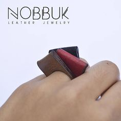 Classic leather ring