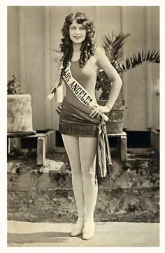 Adrienne Dore, Miss Los Angeles, Some bio's show her winning the Miss America title, but the winner that year was Fay Lamphier. Vintage Beauty, Vintage Fashion, Women's Fashion, Miss America Contestants, Pose, Glamour, Miss World, Roaring Twenties, Beauty Pageant