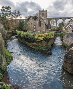 North Somerset, Somerset England, England And Scotland, Beautiful Castles, Beautiful World, Beaux Arts Architecture, Places Around The World, Around The Worlds, Beautiful Places To Travel