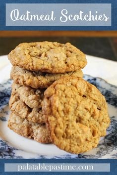 Oatmeal Scotchies load both butterscotch and caramel morsels into spiced oatmeal cookies for pure comfort and flavor. #FallFlavors @dixiecrystals Oatmeal Applesauce Cookies, Oatmeal Scotchies, Fall Desserts, Delicious Desserts, Yummy Food, Spice Cookies, Cake Mix Cookies, Waffle Ice Cream Sandwich, Cookie Recipes
