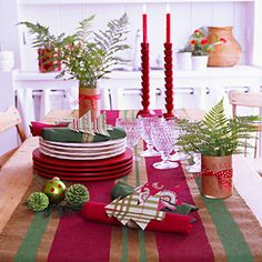 Christmas table decorations to make: Christmas table runner