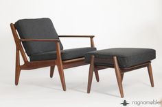 Wonderful rare easy chair from Arne Vodder for Sønderberg and a Ottoman from Hans J. Wegner for Getama. As both articles the easy chair and the stool have the same new upholstery.