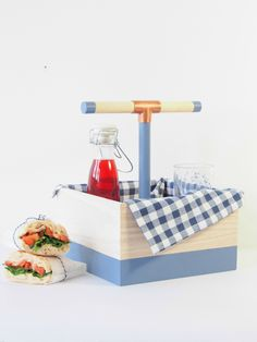DIY: modern picnic box