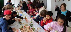 MOTRIL. 50 niños y niñas de primaria de los colegios Ave María Esparraguera y Mariana Pineda han visitado las instalaciones del 'Grupo la Caña', Miguel García e Hijos, así como