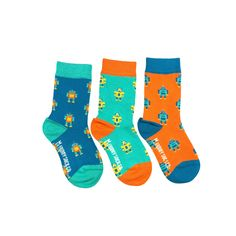 Friday Kid Socks come three to a pair! That's right folks. Three super fun mismatched matching socks! So... if you lose one, no sweat. If you grow another foot, you're in luck. Three socks equal one pair of awesomeness.   Click the link to see more designs!