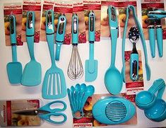 KitchenAid Turquoise Blue Choice of different Kitchen Cooking Utensils Teal Kitchen Decor, Turquoise Kitchen, Orange Kitchen, Cute Kitchen, New Kitchen, Vintage Kitchen, Kitchen Things, Kitchen Stuff, Country Kitchen